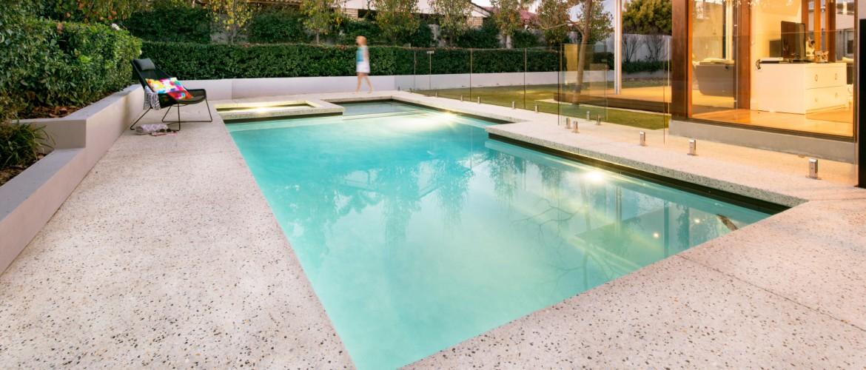 A liquid limestone pool & surrounds in Perth WA